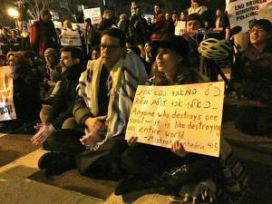 Rabbis in New York protesting non-indictment of NYPD officer implicated in Eric Garner death